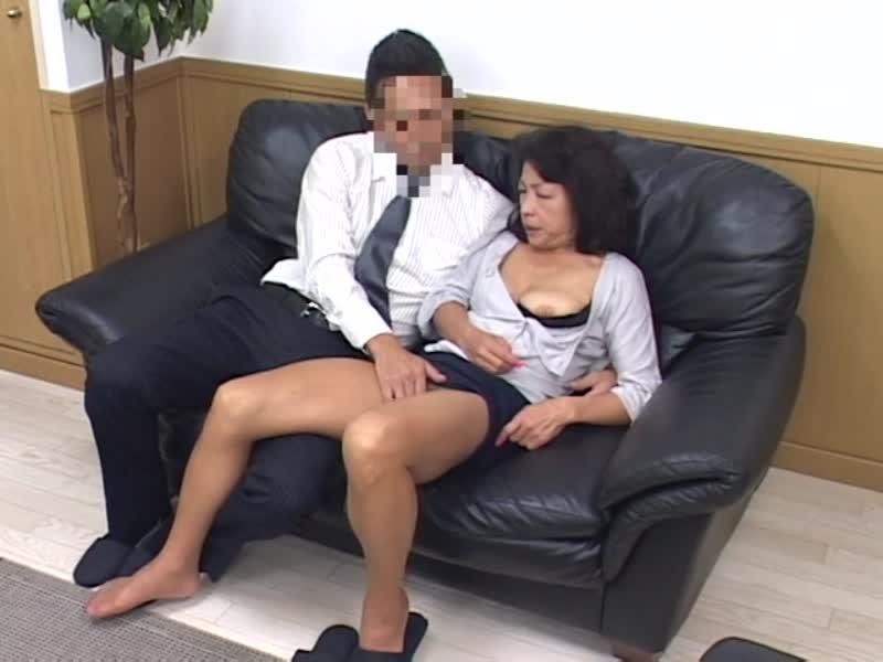 魅惑の女将の母性愛旅館!変態下着で肉欲サービス!